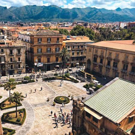 Courtyard hotel in Palermo
