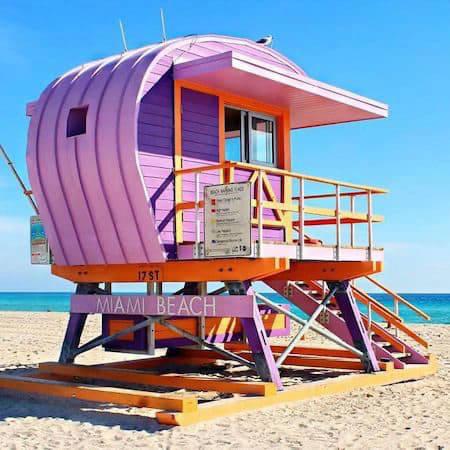 Pink lifeguard hut on Miami Beach
