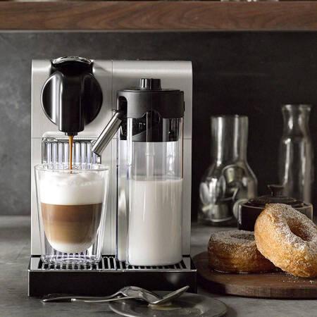 De'Longhi Lattissima Pro Coffee Machine